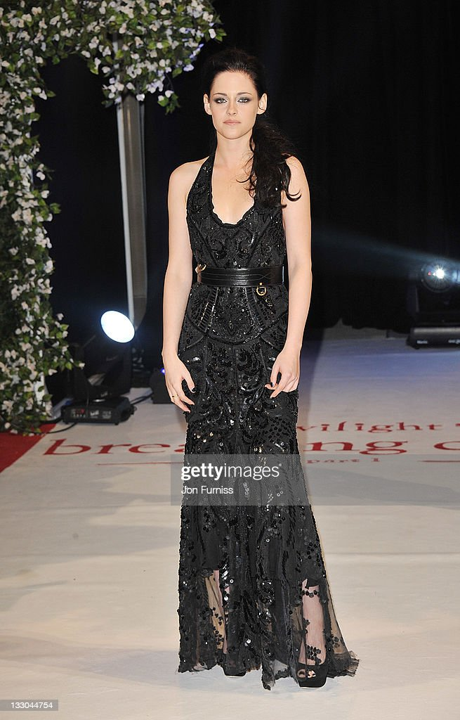 Actress <a gi-track='captionPersonalityLinkClicked' href=/galleries/search?phrase=Kristen+Stewart&family=editorial&specificpeople=2166264 ng-click='$event.stopPropagation()'>Kristen Stewart</a> attends 'The Twilight Saga: Breaking Dawn Part 1' UK Premiere, at Westfield Stratford City on November 16, 2011 in London, England.