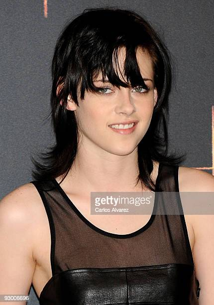 Actress Kristen Stewart attends 'The Twilight Saga New Moon' photocall at Villa Magna Hotel on November 12 2009 in Madrid Spain
