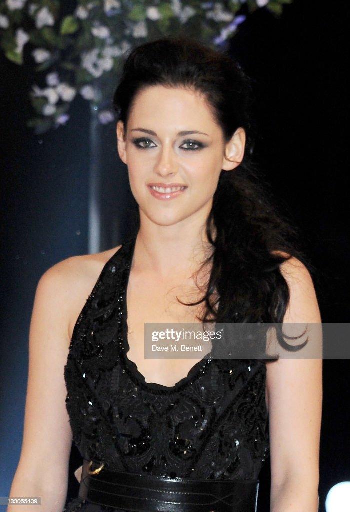 Actress <a gi-track='captionPersonalityLinkClicked' href=/galleries/search?phrase=Kristen+Stewart&family=editorial&specificpeople=2166264 ng-click='$event.stopPropagation()'>Kristen Stewart</a> attends the UK Premiere of 'The Twilight Saga: Breaking Dawn Part 1' at Westfield Stratford City on November 16, 2011 in London, England.