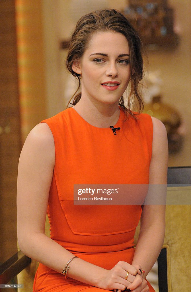 MICHAEL -11/07/12 - Actress Kristen Stewart is a guest on the newly-rechristened syndicated talk show, LIVE with Kelly and Michael,' distributed by Disney-ABC Domestic Television. KRISTEN