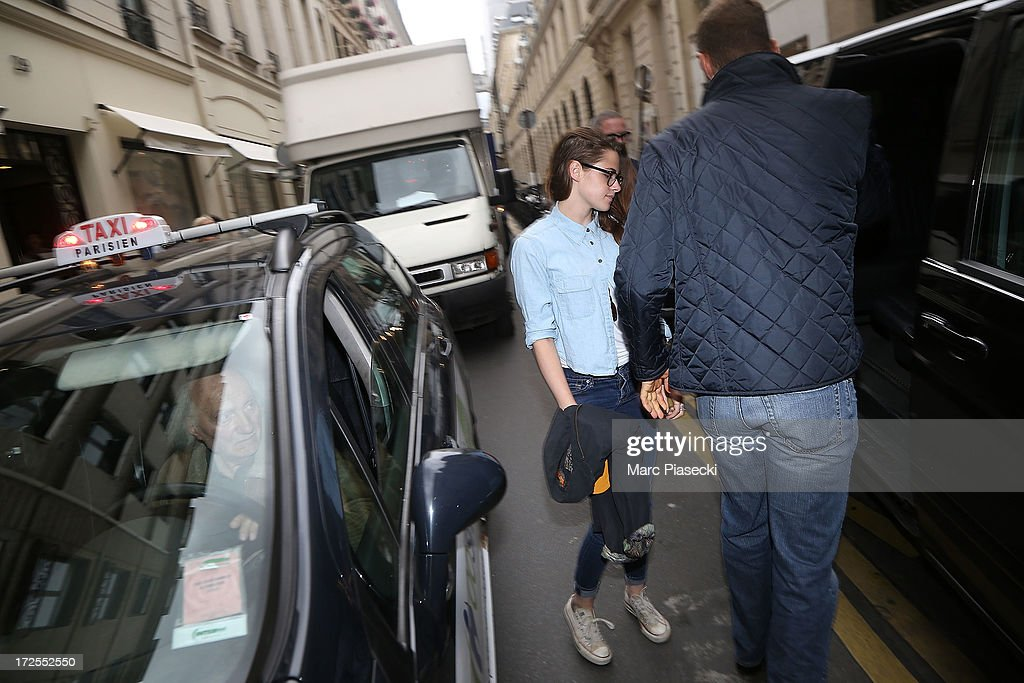 Actress <a gi-track='captionPersonalityLinkClicked' href=/galleries/search?phrase=Kristen+Stewart&family=editorial&specificpeople=2166264 ng-click='$event.stopPropagation()'>Kristen Stewart</a> is seen leaving the 'CHANEL Cambon' store on July 3, 2013 in Paris, France.