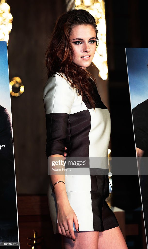 Actress Kristen Stewart poses during a photo call while promoting 'The Twilight Saga: Breaking Dawn Part 2' at Kumamo Shrine on October 24, 2012 in Tokyo, Japan. The film will open on December 28 in Japan.
