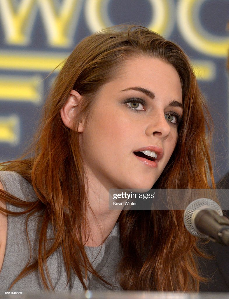 Actress Kristen Stewart speaks at the Hollywood Foreign Press Association's announcement of Jodie Foster as the recipient of the Cecil B. DeMille Award at the Beverly Hills Hotel on November 1, 2012 in Beverly Hills, California.