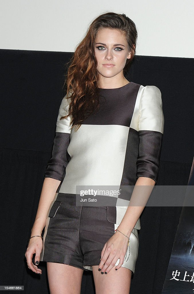 Actress <a gi-track='captionPersonalityLinkClicked' href=/galleries/search?phrase=Kristen+Stewart&family=editorial&specificpeople=2166264 ng-click='$event.stopPropagation()'>Kristen Stewart</a> to promote 'The Twilight Saga: Breaking Dawn Part 2' at Shinjuku Piccadilly Theater on October 24, 2012 in Tokyo, Japan. The film will open on December 28 in Japan.