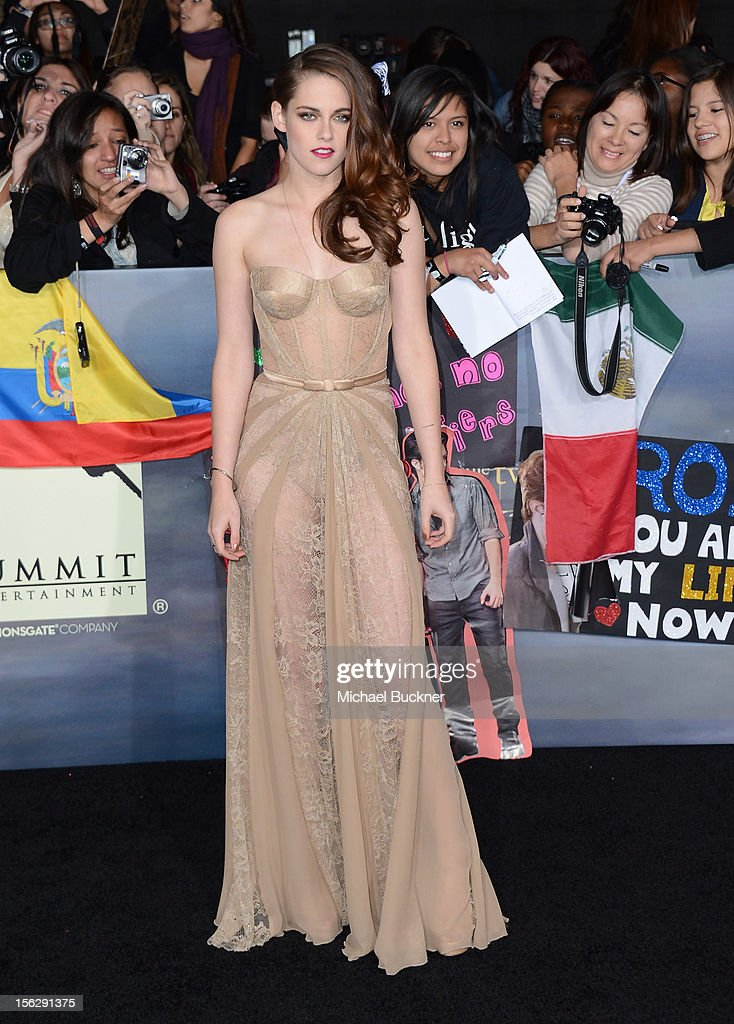 Actress <a gi-track='captionPersonalityLinkClicked' href=/galleries/search?phrase=Kristen+Stewart&family=editorial&specificpeople=2166264 ng-click='$event.stopPropagation()'>Kristen Stewart</a>, wearing Zuhair Murad, arrives at the premiere of Summit Entertainment's 'The Twilight Saga: Breaking Dawn Part 2' at Nokia Theatre L.A. Live on November 12, 2012 in Los Angeles, California.