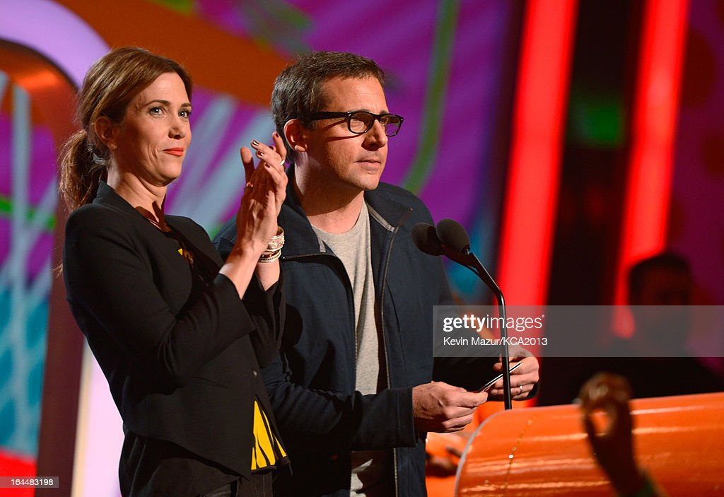 Actress <a gi-track='captionPersonalityLinkClicked' href=/galleries/search?phrase=Kristen+Wiig&family=editorial&specificpeople=4029391 ng-click='$event.stopPropagation()'>Kristen Wiig</a> (L) and actor Steve Carrel perform during Nickelodeon's 26th Annual Kids' Choice Awards at USC Galen Center on March 23, 2013 in Los Angeles, California.