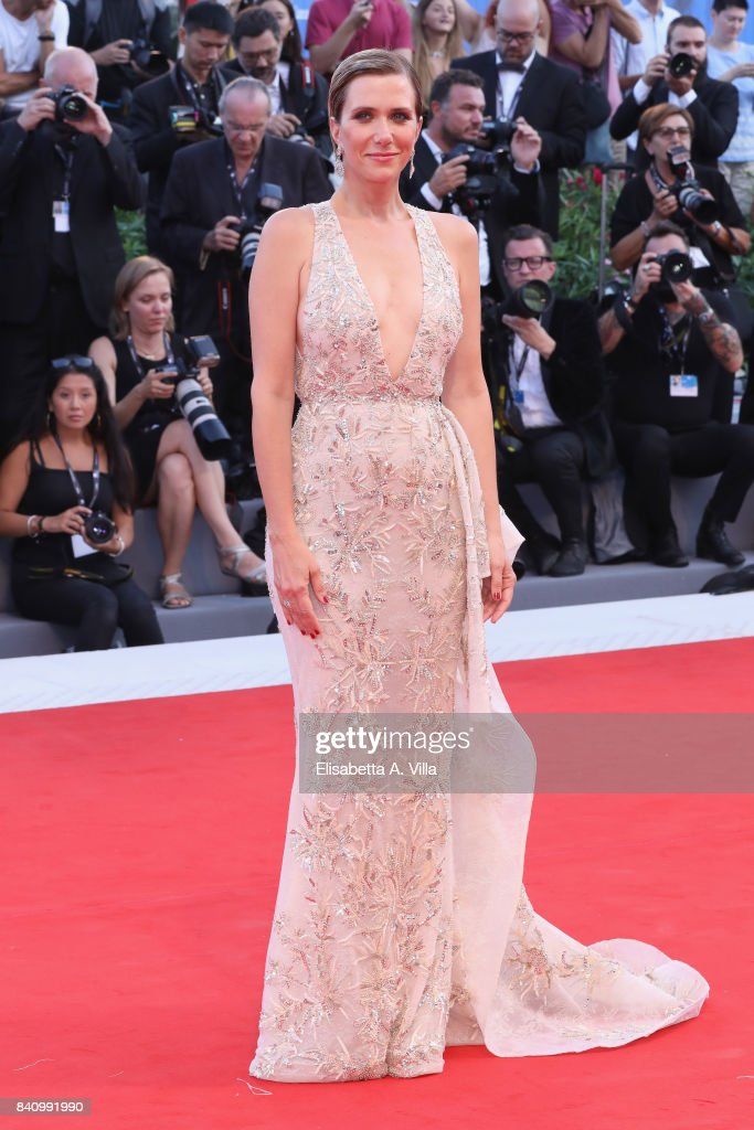 Actress Kristen Wiig attends the Opening Night Screening and World Premiere of 'Downsizing' during the 74th Venice Film Festival at Palazzo del Cinema on August 30, 2017 in Venice, Italy.