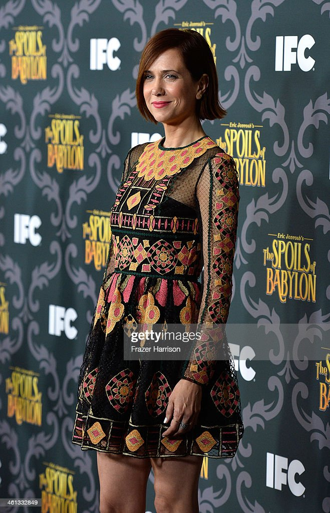 Actress Kristen Wiig attends the screening of IFC's 'The Spoils Of Babylon' at DGA Theater on January 7, 2014 in Los Angeles, California.