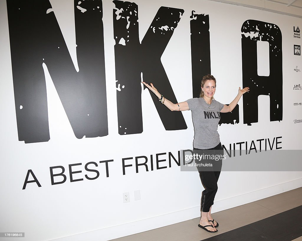 Actress <a gi-track='captionPersonalityLinkClicked' href=/galleries/search?phrase=Kristin+Bauer&family=editorial&specificpeople=3164038 ng-click='$event.stopPropagation()'>Kristin Bauer</a> van Straten attends the NKLA Pet Adoption Center ribbon cutting and celebrity/donor brunch at NKLA Pet Adoption Center on August 11, 2013 in Los Angeles, California.