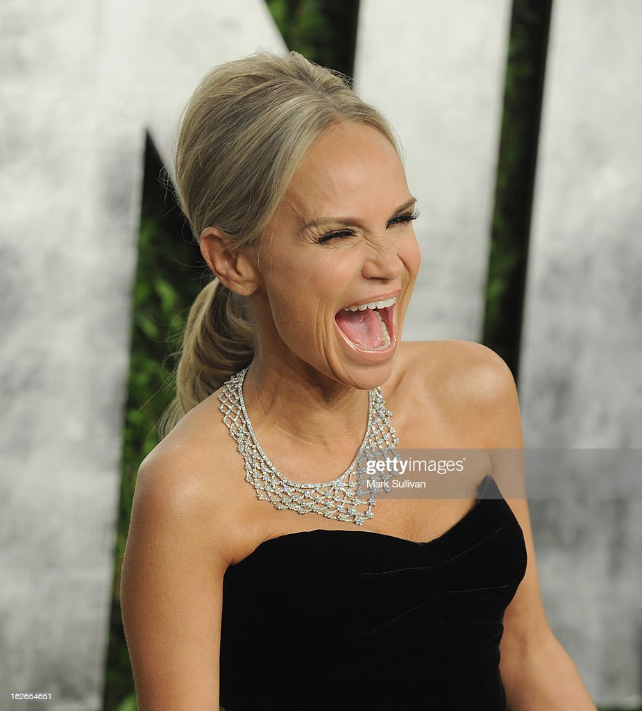 Actress <a gi-track='captionPersonalityLinkClicked' href=/galleries/search?phrase=Kristin+Chenoweth&family=editorial&specificpeople=207096 ng-click='$event.stopPropagation()'>Kristin Chenoweth</a> arrives at the 2013 Vanity Fair Oscar Party at Sunset Tower on February 24, 2013 in West Hollywood, California.