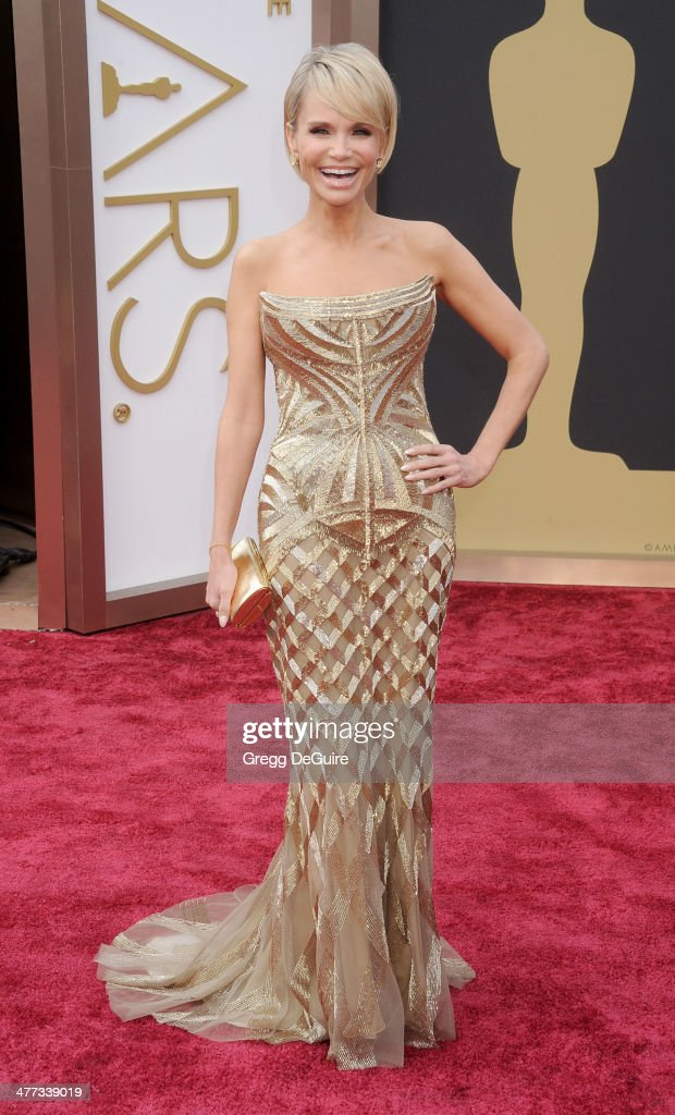 Actress Kristin Chenoweth arrives at the 86th Annual Academy Awards at Hollywood & Highland Center on March 2, 2014 in Hollywood, California.