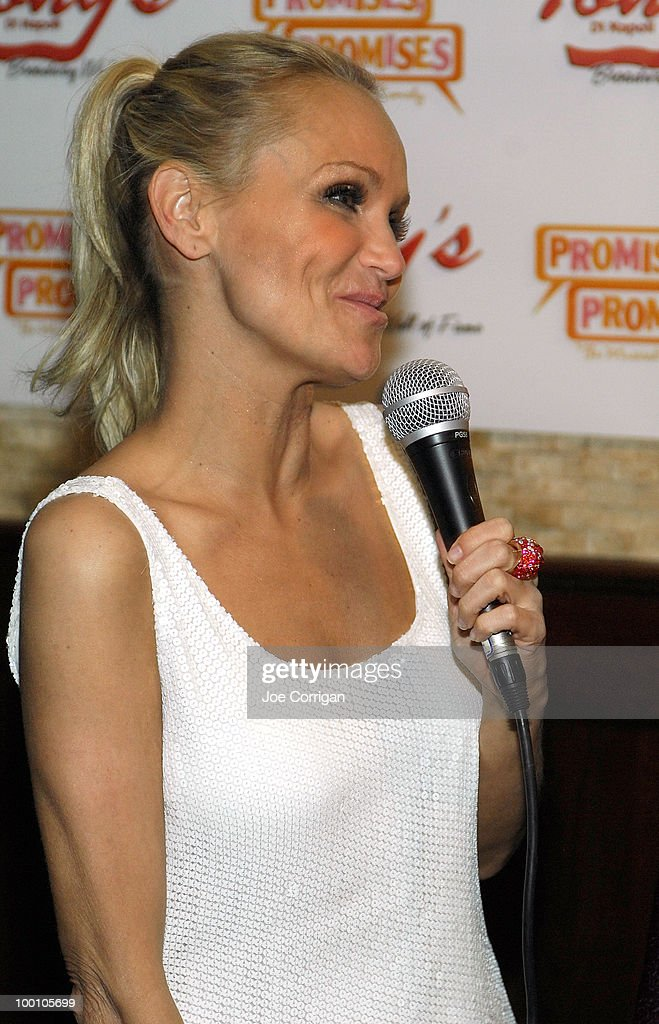 Actress Kristin Chenoweth attends a portrait unveiling for her and actor Sean Hayes at Tony's di Napoli on May 20, 2010 in New York City.