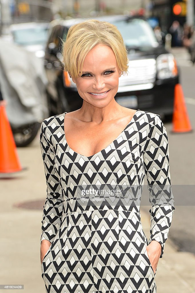 Actress <a gi-track='captionPersonalityLinkClicked' href=/galleries/search?phrase=Kristin+Chenoweth&family=editorial&specificpeople=207096 ng-click='$event.stopPropagation()'>Kristin Chenoweth</a> enters the 'Late Show With David Letterman' taping at the Ed Sullivan Theater on April 1, 2014 in New York City.
