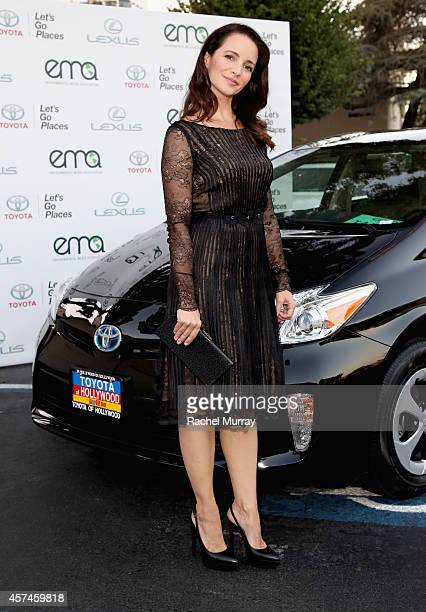 Actress Kristin Davis attends the 24th Annual Environmental Media Awards presented by Toyota and Lexus at Warner Bros Studio on October 18 2014 in...