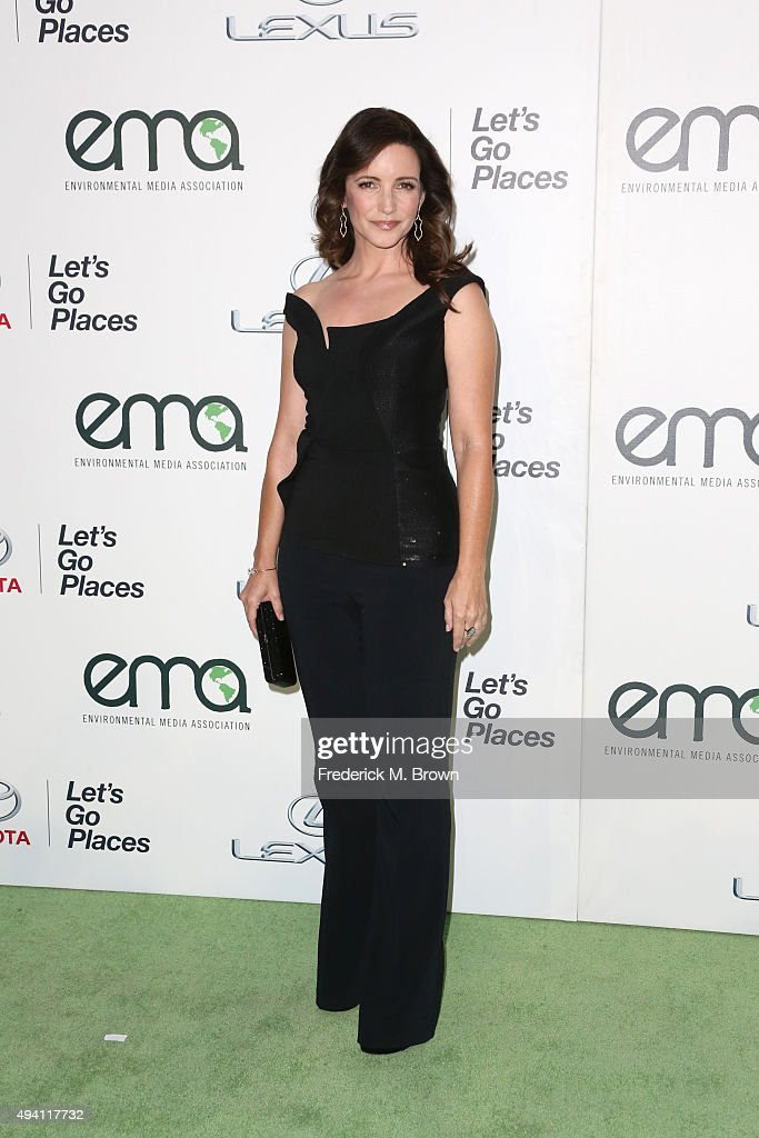 Actress Kristin Davis attends the 25th annual EMA Awards presented by Toyota and Lexus and hosted by the Environmental Media Association at Warner Bros. Studios on October 24, 2015 in Burbank, California.