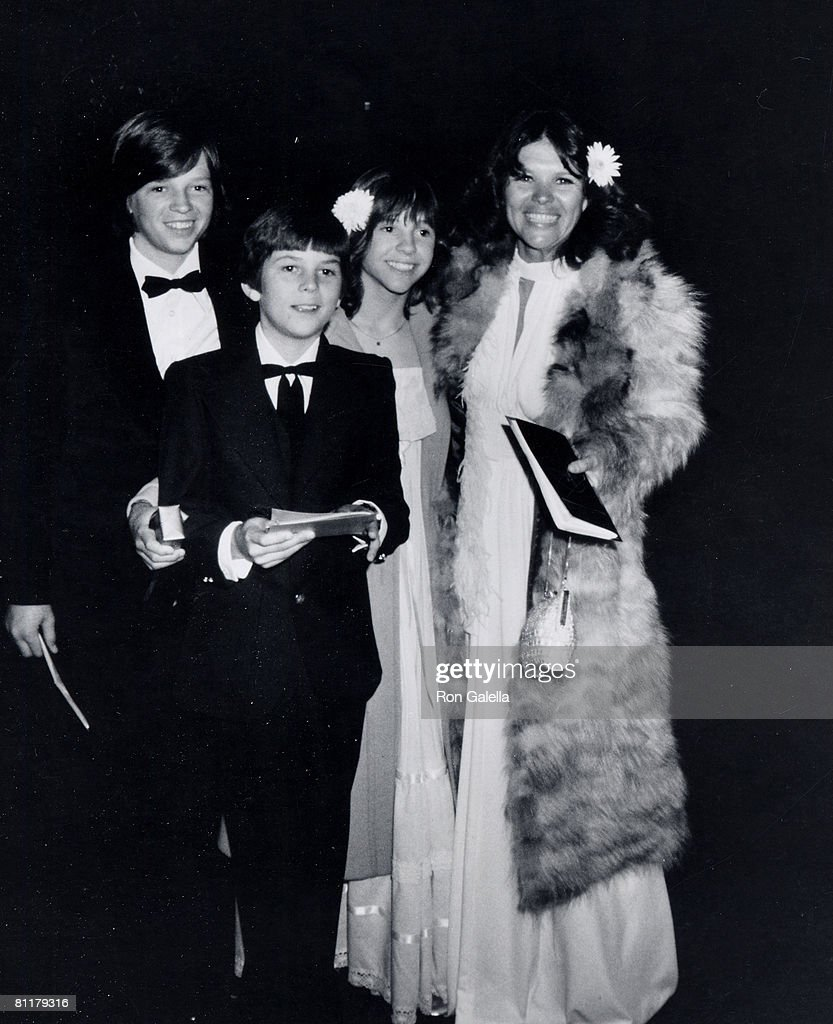 Actress Kristy McNichol, brother Thomas McNichol, actor Jimmy McNichol and mother Carrolyne McNichol Lucas attending 'The Television Critics Circle Awards' on April 11, 1977 in Los Angeles, California.