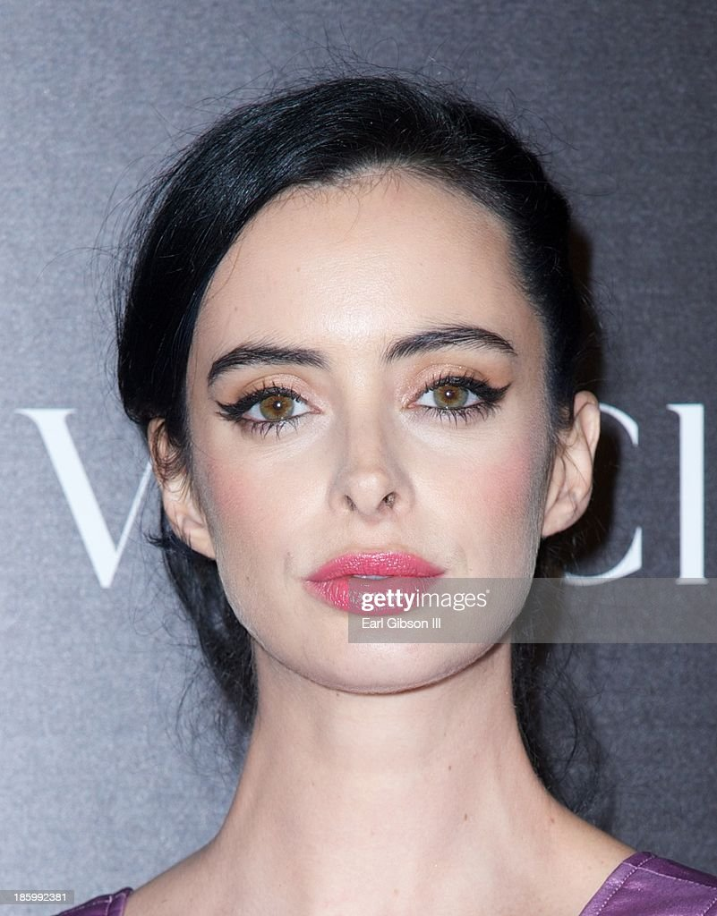 Actress <a gi-track='captionPersonalityLinkClicked' href=/galleries/search?phrase=Krysten+Ritter&family=editorial&specificpeople=655673 ng-click='$event.stopPropagation()'>Krysten Ritter</a> attends Van Cleef & Arpels New Exhibit Opening Night Reception at The Bowers Museum on October 26, 2013 in Santa Ana, California.