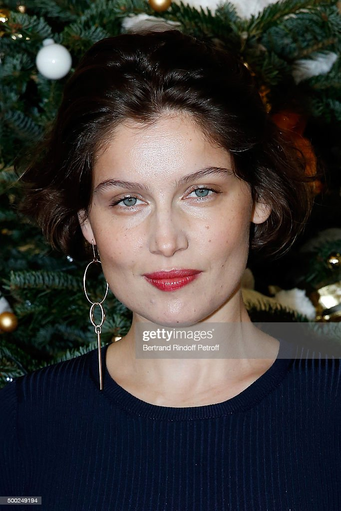 Actress <a gi-track='captionPersonalityLinkClicked' href=/galleries/search?phrase=Laetitia+Casta&family=editorial&specificpeople=203075 ng-click='$event.stopPropagation()'>Laetitia Casta</a> attends the 'Reves D'Enfant' Charity Gala at Opera Bastille on December 6, 2015 in Paris, France.
