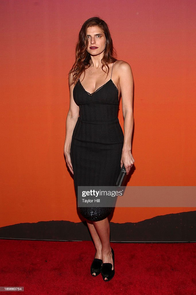 Actress <a gi-track='captionPersonalityLinkClicked' href=/galleries/search?phrase=Lake+Bell&family=editorial&specificpeople=209336 ng-click='$event.stopPropagation()'>Lake Bell</a> attends the 2013 Whitney Gala and Studio party at Skylight at Moynihan Station on October 23, 2013 in New York City.