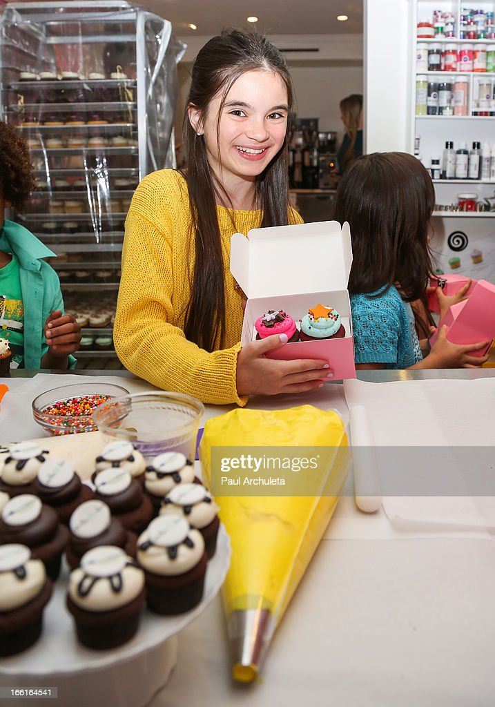 Actress Landry Bender attends the Stella & Dot VIP Trunk Show benefiting The HollyRod Foundation at Georgetown Cupcake Los Angeles on April 8, 2013 in Los Angeles, California.