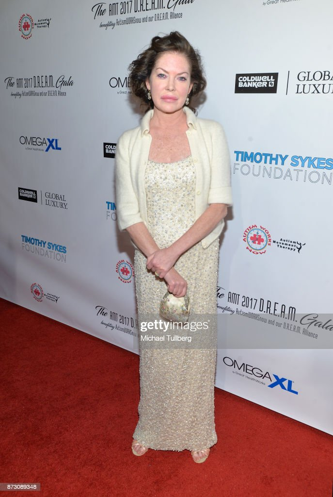 Actress Lara Flynn Boyle attends AMT's 2017 D.R.E.A.M. Gala at Montage Beverly Hills on November 11, 2017 in Beverly Hills, California.