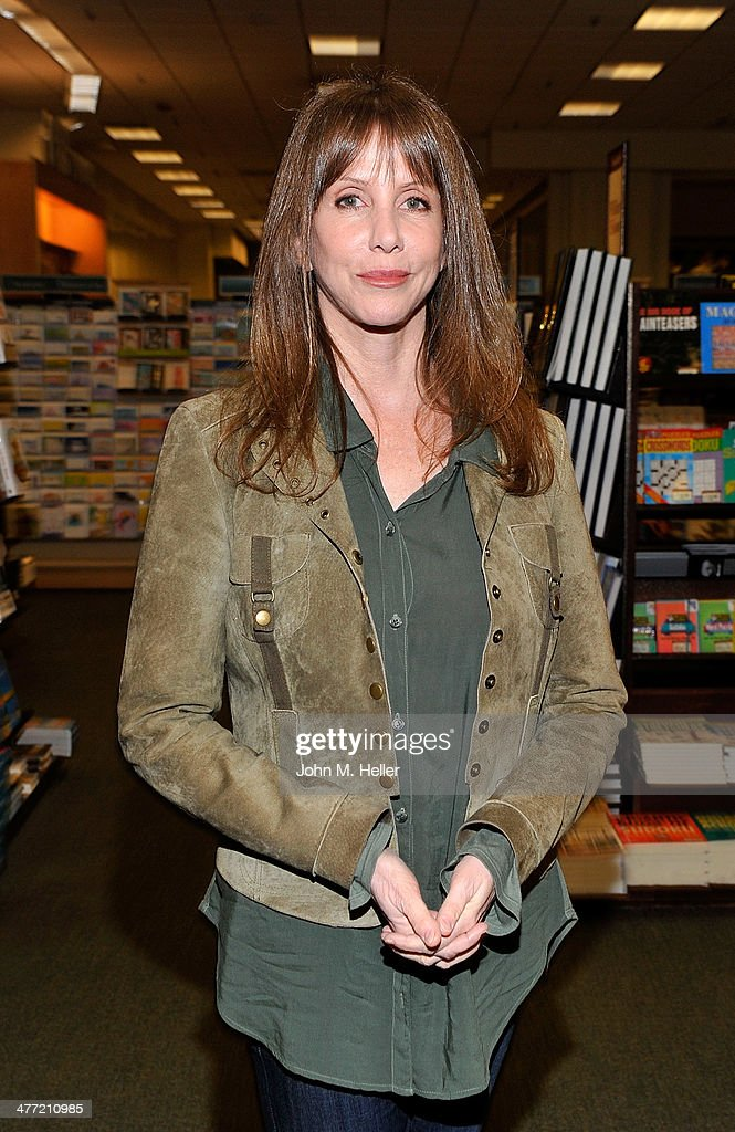 Actress <a gi-track='captionPersonalityLinkClicked' href=/galleries/search?phrase=Laraine+Newman&family=editorial&specificpeople=574813 ng-click='$event.stopPropagation()'>Laraine Newman</a> attends the Annabelle Gurwitch book signing for 'I See You Made An Effort' at Barnes & Noble bookstore at The Grove on March 7, 2014 in Los Angeles, California.