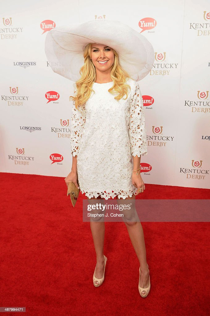 Actress <a gi-track='captionPersonalityLinkClicked' href=/galleries/search?phrase=Laura+Bell+Bundy&family=editorial&specificpeople=666348 ng-click='$event.stopPropagation()'>Laura Bell Bundy</a> attends 140th Kentucky Derby at Churchill Downs on May 3, 2014 in Louisville, Kentucky.