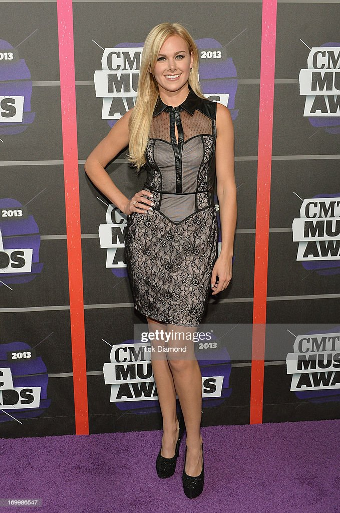 Actress <a gi-track='captionPersonalityLinkClicked' href=/galleries/search?phrase=Laura+Bell+Bundy&family=editorial&specificpeople=666348 ng-click='$event.stopPropagation()'>Laura Bell Bundy</a> attends the 2013 CMT Music awards at the Bridgestone Arena on June 5, 2013 in Nashville, Tennessee.