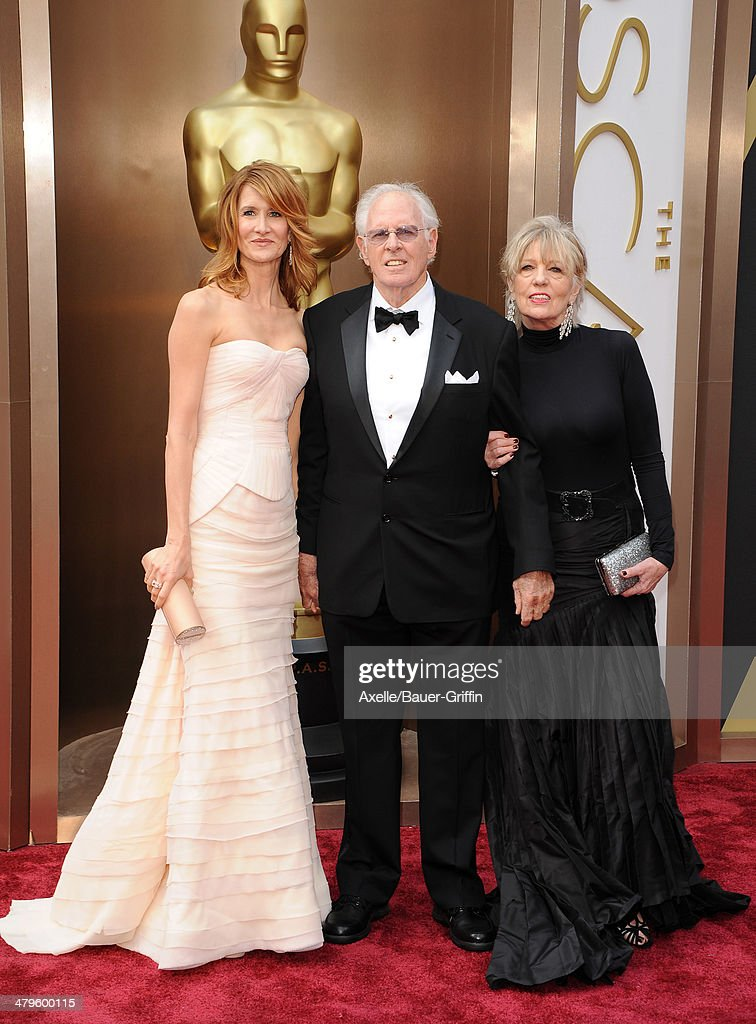 Actress <a gi-track='captionPersonalityLinkClicked' href=/galleries/search?phrase=Laura+Dern&family=editorial&specificpeople=204203 ng-click='$event.stopPropagation()'>Laura Dern</a>, actor <a gi-track='captionPersonalityLinkClicked' href=/galleries/search?phrase=Bruce+Dern&family=editorial&specificpeople=239171 ng-click='$event.stopPropagation()'>Bruce Dern</a> and Andrea Beckett arrive at the 86th Annual Academy Awards at Hollywood & Highland Center on March 2, 2014 in Hollywood, California.