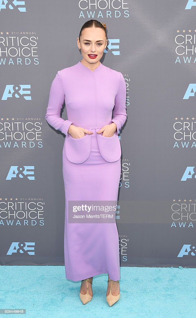 Actress Laura Haddock attends the 21st Annual Critics' Choice Awards at Barker Hangar on January 17, 2016 in Santa Monica, California.