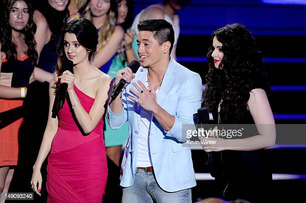 Actress Laura Marano singer Stefano Langone and actress Vanessa Marano speak onstage during the 2012 Teen Choice Awards at Gibson Amphitheatre on...