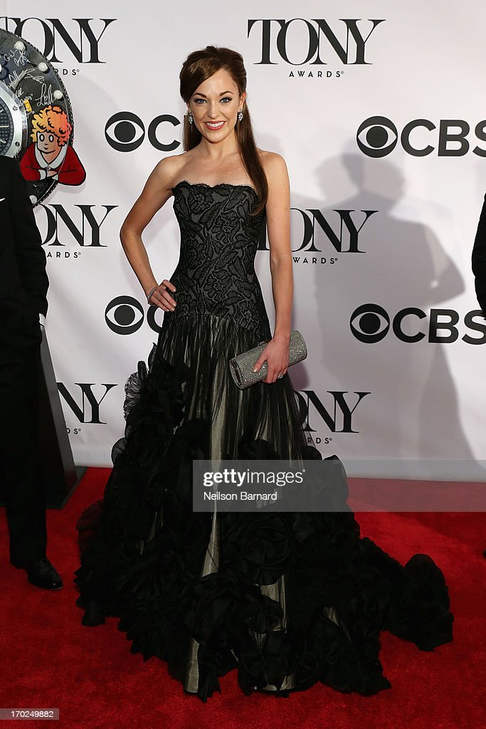 Actress <a gi-track='captionPersonalityLinkClicked' href=/galleries/search?phrase=Laura+Osnes&family=editorial&specificpeople=4213655 ng-click='$event.stopPropagation()'>Laura Osnes</a> attends The 67th Annual Tony Awards at Radio City Music Hall on June 9, 2013 in New York City.
