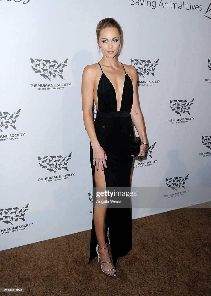 Actress <a gi-track='captionPersonalityLinkClicked' href=/galleries/search?phrase=Laura+Vandervoort&family=editorial&specificpeople=4436690 ng-click='$event.stopPropagation()'>Laura Vandervoort</a> attends The Humane Society of the United States' to the Rescue Gala at Paramount Studios on May 7, 2016 in Hollywood, California.