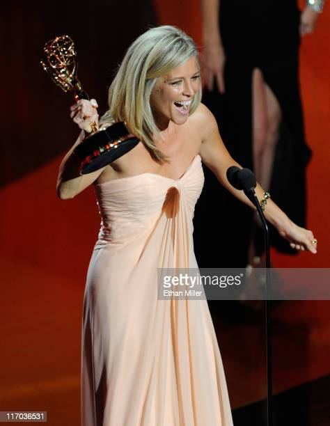 Actress Laura Wright accepts the Outstanding Lead Actress award onstage during the 38th Annual Daytime Entertainment Emmy Awards held at the Las...