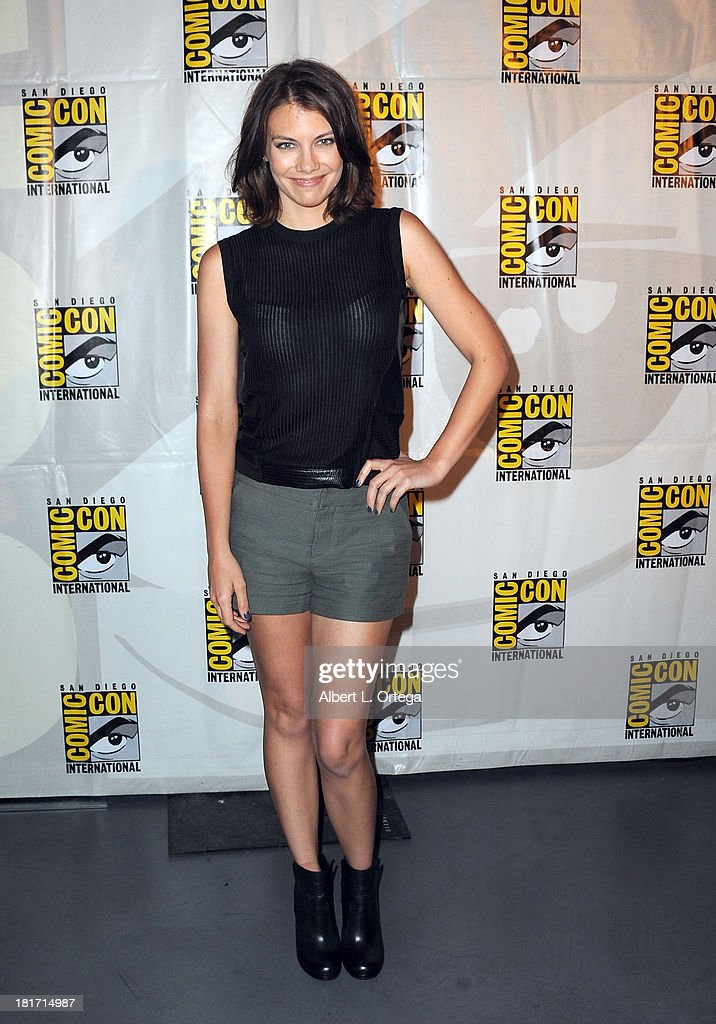 Actress <a gi-track='captionPersonalityLinkClicked' href=/galleries/search?phrase=Lauren+Cohan&family=editorial&specificpeople=4421688 ng-click='$event.stopPropagation()'>Lauren Cohan</a> attends AMC's 'The Walking Dead' Panel as part of Comic-Con International 2013 held at San Diego Convention Center on Friday July 19, 2012 in San Diego, California.