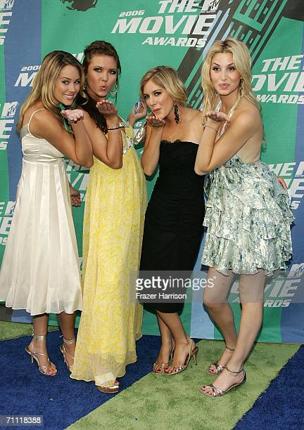 Actress Lauren Conrad and the rest of the cast of 'The Hills' arrive to the 2006 MTV Movie Awards at Sony Pictures Studio on June 32006 in Culver...
