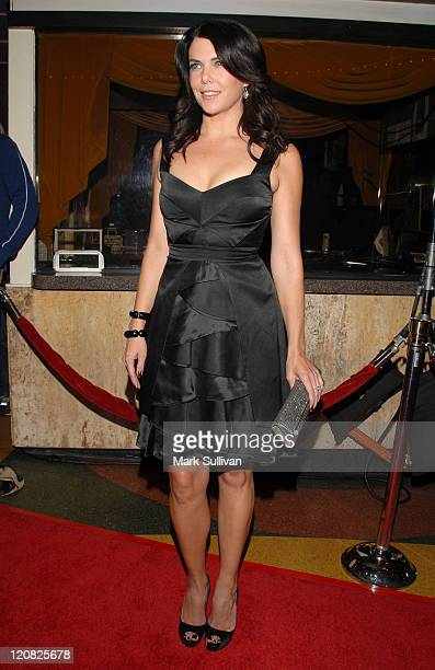 Actress Lauren Graham arrives at a special industry screening for 'Flash Of Genius' at the Mann Bruin Theatre on September 22 2008 in Westwood...