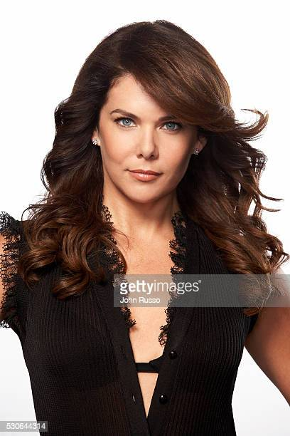 Actress Lauren Graham is photographed for Calabasas Magazine in 2006 COVER IMAGE