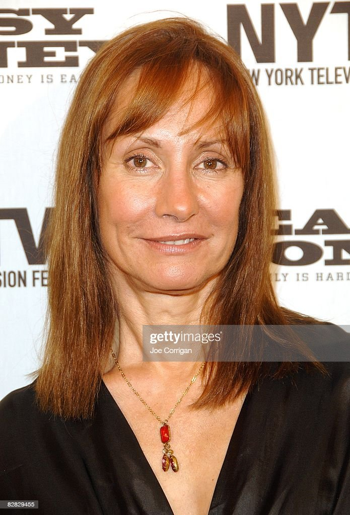 Laurie Metcalf easy money
