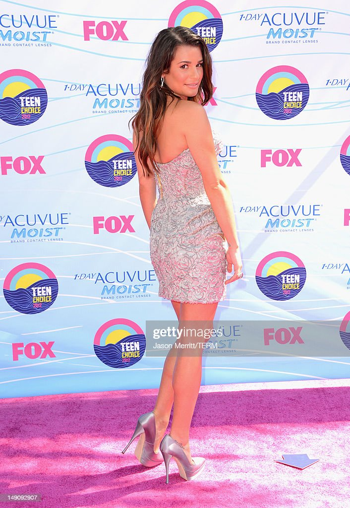 Actress Lea Michele arrives at the 2012 Teen Choice Awards at Gibson Amphitheatre on July 22, 2012 in Universal City, California.