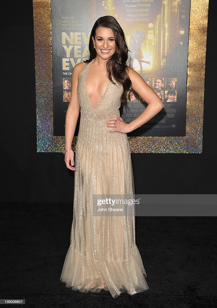 Actress <a gi-track='captionPersonalityLinkClicked' href=/galleries/search?phrase=Lea+Michele&family=editorial&specificpeople=566514 ng-click='$event.stopPropagation()'>Lea Michele</a> arrives to the Premiere Of Warner Bros. Pictures' 'New Year's Eve' at Grauman's Chinese Theatre on December 5, 2011 in Hollywood, California.