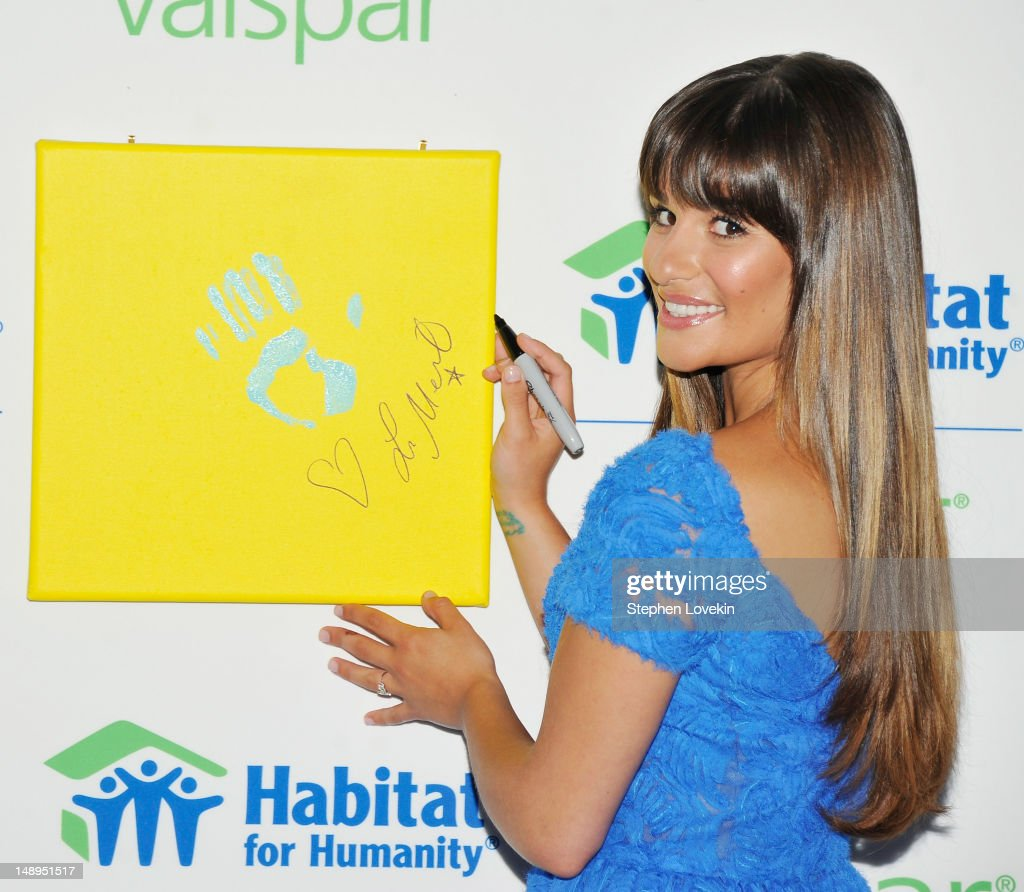 Actress <a gi-track='captionPersonalityLinkClicked' href=/galleries/search?phrase=Lea+Michele&family=editorial&specificpeople=566514 ng-click='$event.stopPropagation()'>Lea Michele</a> attends the Valspar Hands For Habitat Unveiling Hosted By <a gi-track='captionPersonalityLinkClicked' href=/galleries/search?phrase=Lea+Michele&family=editorial&specificpeople=566514 ng-click='$event.stopPropagation()'>Lea Michele</a> at Hearst Tower on July 20, 2012 in New York City.