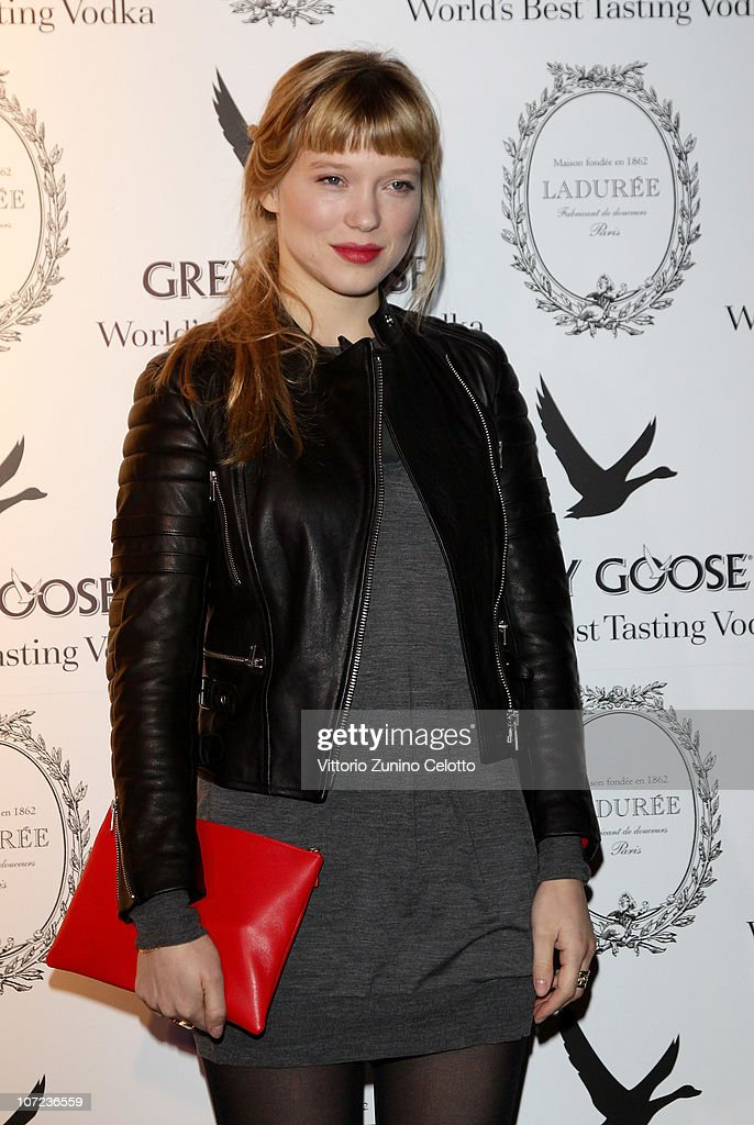 Lea seydoux hosts grey goose christmas boutique opening for Lea boutique