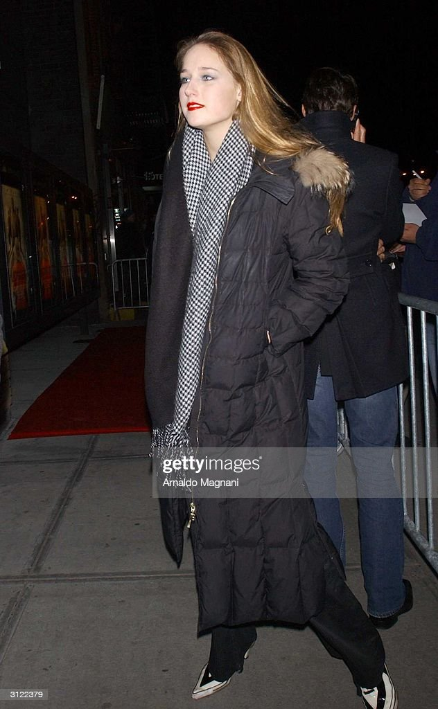 Actress Lee Lee Sobieski attends a screening of the movie 'The Ladykillers' March 22, 2004 in New York City.