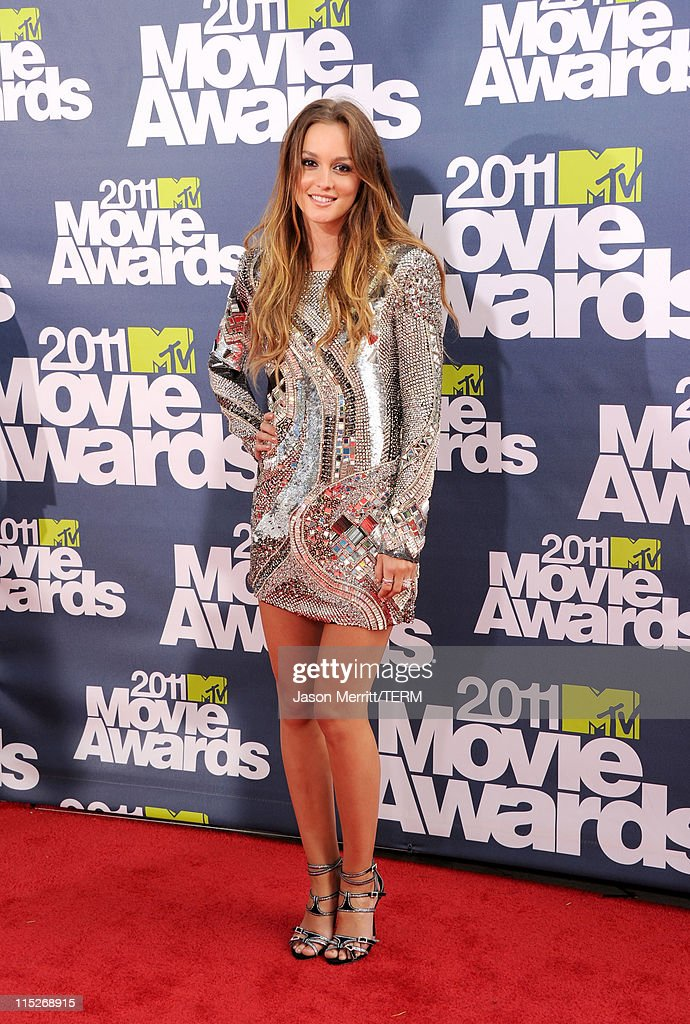 Actress <a gi-track='captionPersonalityLinkClicked' href=/galleries/search?phrase=Leighton+Meester&family=editorial&specificpeople=3947554 ng-click='$event.stopPropagation()'>Leighton Meester</a> arrives at the 2011 MTV Movie Awards at Universal Studios' Gibson Amphitheatre on June 5, 2011 in Universal City, California.