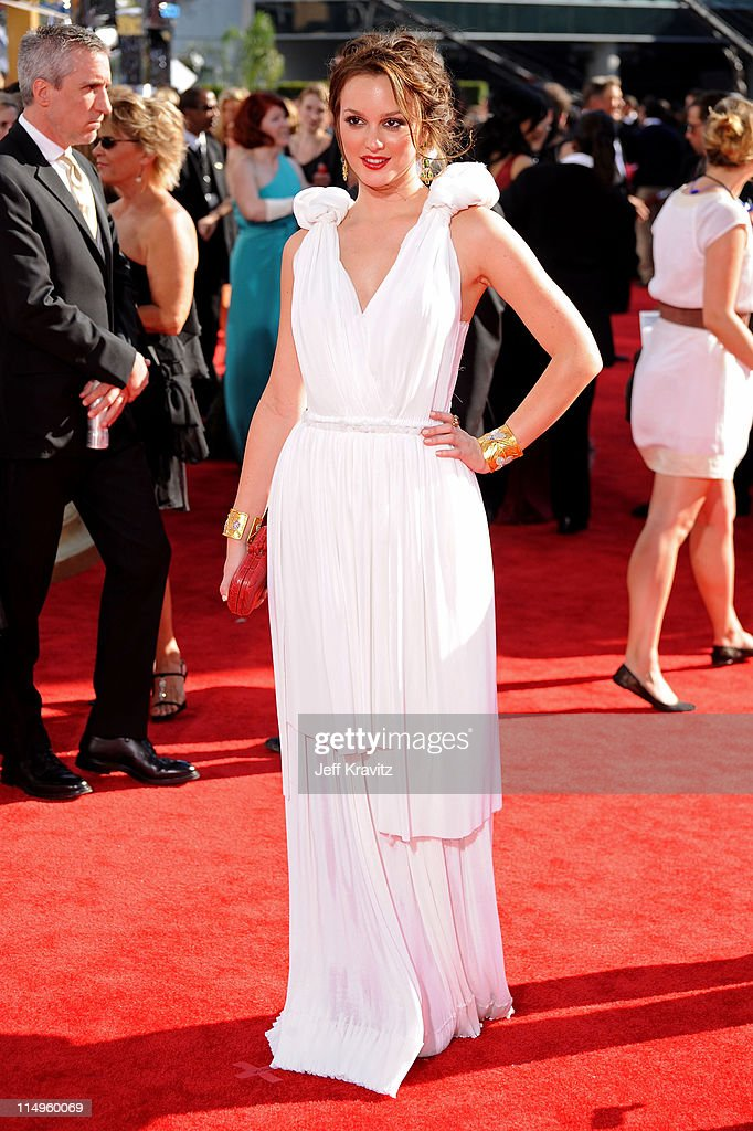 Actress Leighton Meester arrives at the 61st Primetime Emmy Awards held at the Nokia Theatre on September 20, 2009 in Los Angeles, California.