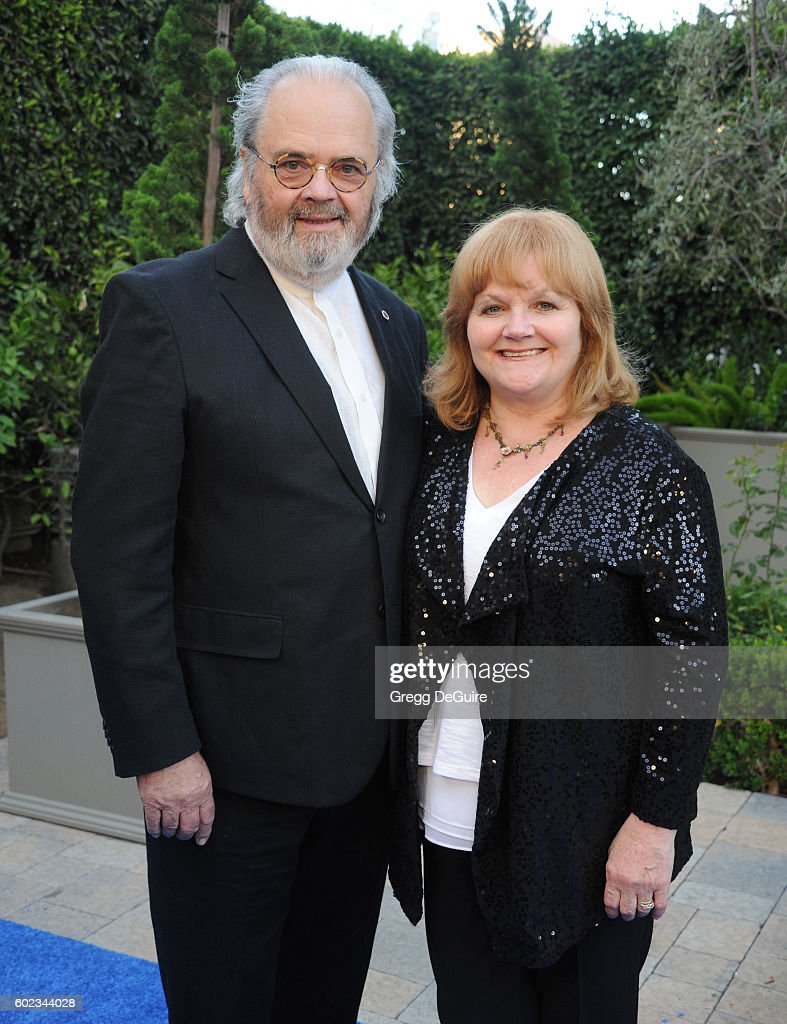 Actress Lesley Nicol and husband Da'aboth arrive at Mercy For Animals Hidden Heroes Gala 2016 at Vibiana on September 10, 2016 in Los Angeles, California.