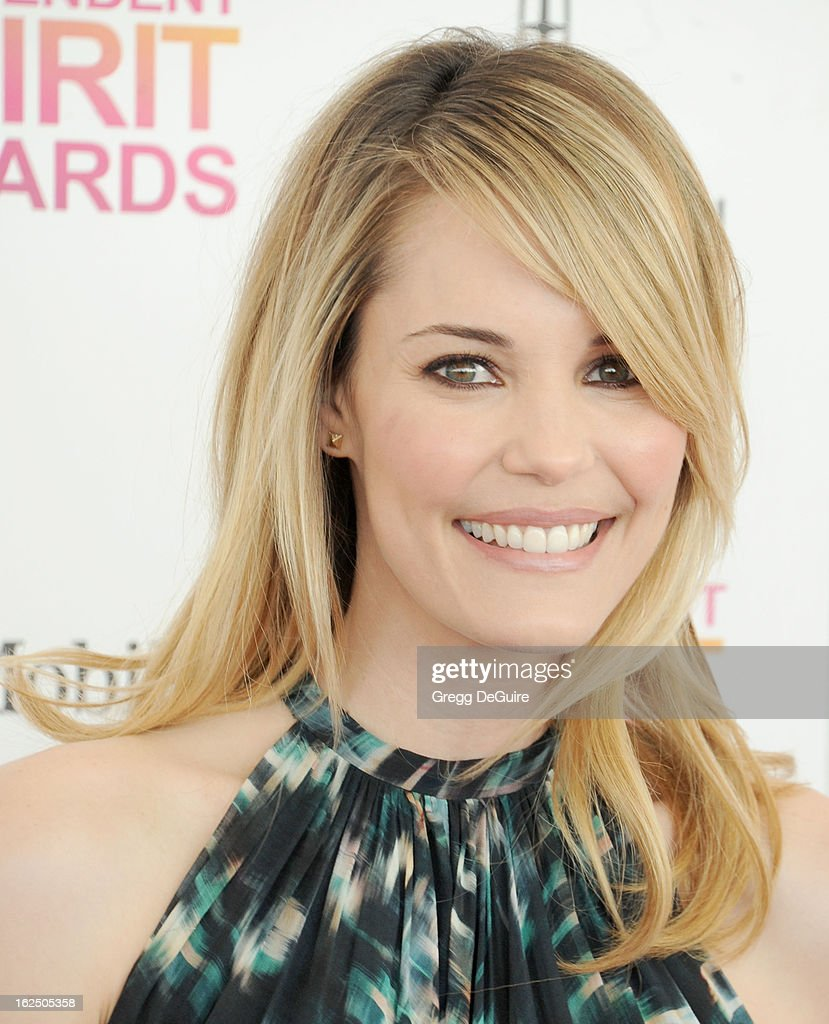 Actress Leslie Bibb arrives at the 2013 Film Independent Spirit Awards at Santa Monica Beach on February 23, 2013 in Santa Monica, California.