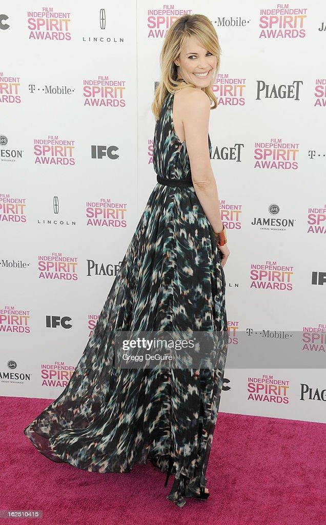 Actress Leslie Bibb arrives at the 2013 Film Independent Spirit Awards at Santa Monica Beach on February 23, 2013 in Santa Monica, California.