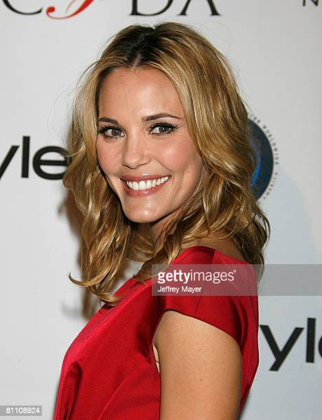 Actress Leslie Bibb arrives to the In Style CFDA Event at Morton's Restaurant on October 16 2007 in West Hollywood California
